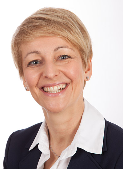 Portrait Dr. Silvia Oßwald-Meßner
