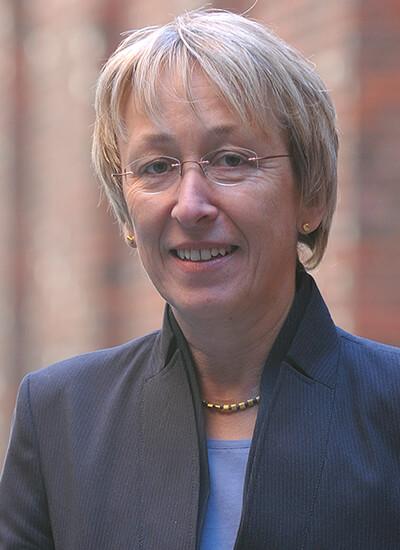 Portrait Prof. Dr. Gisela Jakob